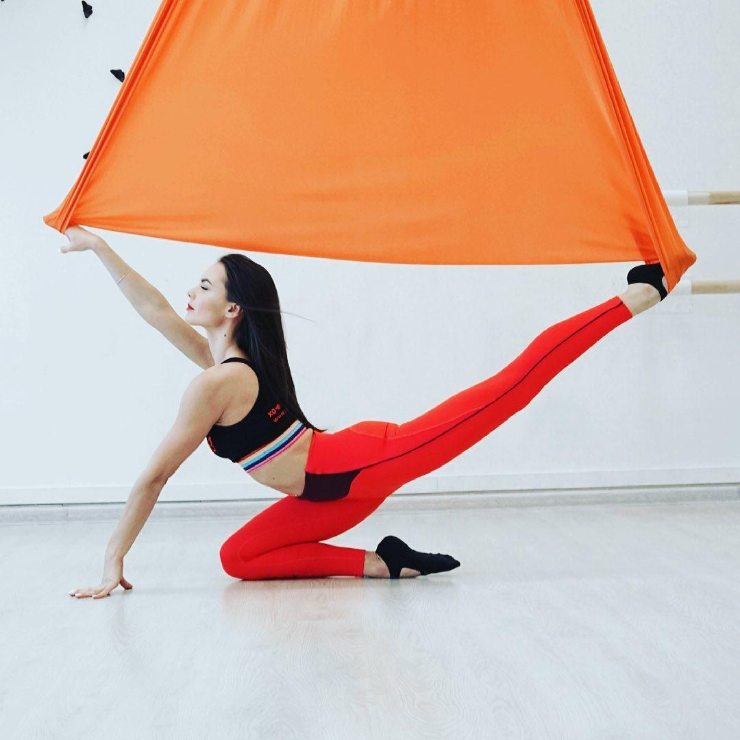 ️Влюбиться в гамак.️  🤩Занятия «на высоте» — крутой способ почувствовать легкость, силу и гибкость своего тела. С помощью гамака можно абсолютно по-новому ощутить себя.  «Оторвитесь» от земли и совершенствуйтесь на стретчинге в гамаках! На тренировке вы поймете, что это целое искусство.  🤗В результате занятий в гамаках вы научитесь владеть своим телом. Координация улучшится, а мышцы укрепятся. Кроме прочего, на стретчинг в воздухе записываются для стабилизации эмоционального состояния.  Тренировки идеально подойдут тем, кому хочется сесть в продольный или поперечный шпагат.  🥺Если вы страдаете от напряжения в пояснице, сутулитесь и вас мучает шейный отдел — добро пожаловать к нам на занятия.  Упражнения в гамаке омолаживают тело, укрепляют мышцы, улучшают подвижность суставов. После занятий вы почувствуете, что нет болей в спине и шее. Ваш организм станет выносливее, память разовьется, стресс уйдет.  Попробуйте и Вы точно не останетесь равнодушными.  🦋С заботой о тебе, студия «Эффект бабочки» 🦋  ⠀ ️Запись  на тренировку по телефону 8-909-788-29-08, пишите в Директ/Viber/WhatsApp или на нашем сайте www.mybutterfly39.ru  ⠀